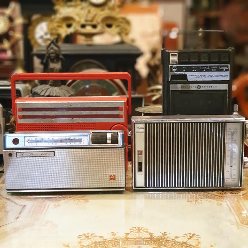 Nhiều máy Radio xưa AT03